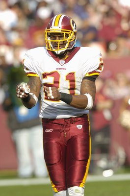 LANDOVER, MD - NOVEMBER 26: Sean Taylor #21 of the Washington Redskins walks on the field durng the game against the Carolina Panthers on November 26, 2006 at FedEx Field in Landover, Maryland.  (Photo by Greg Fiume/Getty Images)