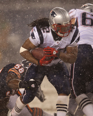 CHICAGO, IL - DECEMBER 12: BenJarvus Green-Ellis #42 of the New England Patriots runs against the Chicago Bears at Soldier Field on December 12, 2010 in Chicago, Illinois. The Patriots defeated the Bears 36-7. (Photo by Jonathan Daniel/Getty Images)