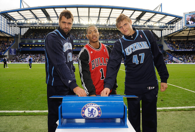 LONDON, ENGLAND - OCTOBER 04:  NBA players Mehmet Okur, Derrick Rose and Andrei Kirilenko at half time during the Barclays Premier League match between Chelsea and Liverpool at Stamford Bridge on October 4, 2009 in London, England.  (Photo by Getty Images
