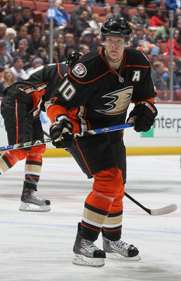 ANAHEIM, CA - DECEMBER 10:  Corey Perry #10 of the Anaheim Ducks skates against the Calgary Flames at the Honda Center on December 10, 2010 in Anaheim, California.  (Photo by Jeff Gross/Getty Images)