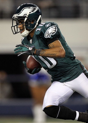 ARLINGTON, TX - DECEMBER 12:  Wide receiver DeSean Jackson #10 of the Philadelphia Eagles runs against the Dallas Cowboys at Cowboys Stadium on December 12, 2010 in Arlington, Texas.  (Photo by Ronald Martinez/Getty Images)