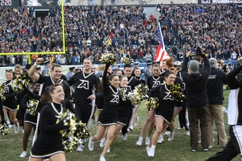 Army Cheer leaders Enter the Field