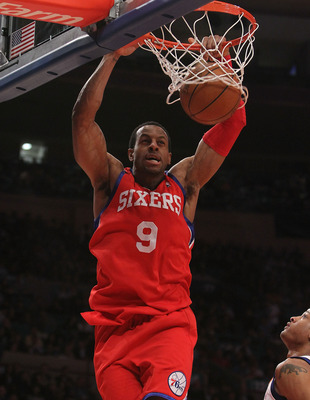 NEW YORK - MARCH 19:  Andre Iguodala #8 of the Philadelphia 76ers dunks the ball against the New York Knicks at Madison Square Garden on March 19, 2010 in New York City. NOTE TO USER: User expressly acknowledges and agrees that, by downloading and or usin