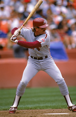 SAN FRANCISCO - 1989:  Mike Schmidt #20 of the Philadelphia Phillies steps into the pitch during a 1989 season game against the Giants at Candlestick Park in San Francisco, California. (Photo by Otto Greule Jr/Getty Images)