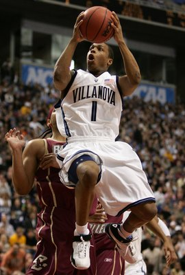 Kyle Lowry was part of Villanova's 2006 4 Guard Lineup.