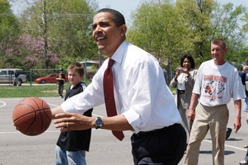 Obama_basketball_display_image