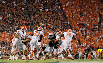 AUBURN, AL - SEPTEMBER 18:  Quarterback Kyle Parker #11, Andre Ellington #23 and the offense of the Clemson Tigers against the Auburn Tigers at Jordan-Hare Stadium on September 18, 2010 in Auburn, Alabama.  (Photo by Kevin C. Cox/Getty Images)