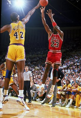 1989:  Michael Jordan #23 of the Chicago Bulls jumps to shoot the ball during the game against the Los Angeles Lakers.   Mandatory Credit: Mike Powell  /Allsport