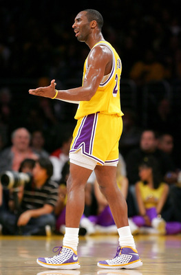 LOS ANGELES - DECEMBER 30:  Kobe Bryant #24 of the Los Angeles Lakers reacts during the game against the Boston Celtics at Staples Center December 30, 2007 in Los Angeles, California.  NOTE TO USER: User expressly acknowledges and agrees that, by download