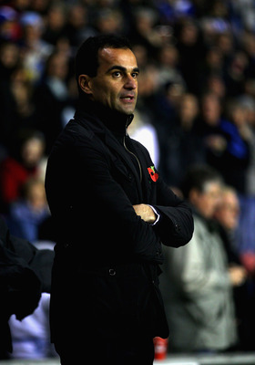 WIGAN, ENGLAND - NOVEMBER 10:  Wigan Athletic manager Roberto Martinez during the Barclays Premier League match between Wigan Athletic and Liverpool at DW Stadium on November 10, 2010 in Wigan, England.  (Photo by Clive Brunskill/Getty Images)