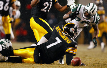 PITTSBURGH - DECEMBER 19:  Drew Coleman #30 of the New York Jets reaches for a loose ball in front of Ben Roethlisberger #7 of the Pittsburgh Steelers during the game on December 19, 2010 at Heinz Field in Pittsburgh, Pennsylvania.  (Photo by Jared Wicker