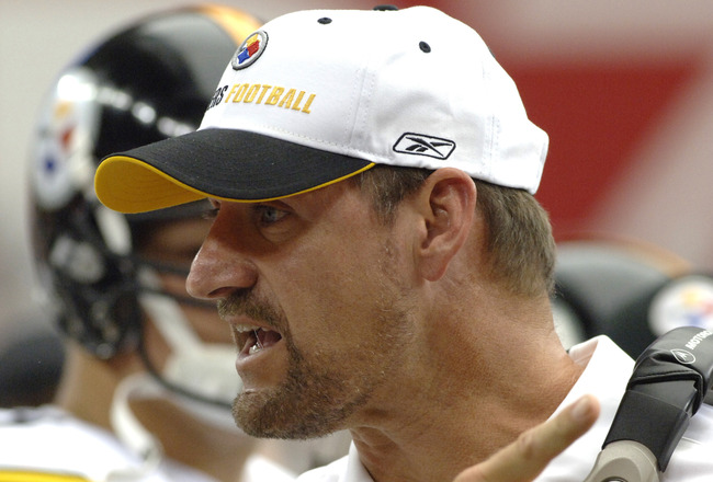 Pittsburgh Steelers coach Bill Cowher offers words of advice during play  against the Arizona Cardinals August 12, 2006.  The Cardinals opened a new stadium in Glendale, Arizona and won 21 - 13.  (Photo by Al Messerschmidt/Getty Images)