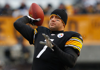 PITTSBURGH - DECEMBER 19:  Ben Roethlisberger #7 of the Pittsburgh Steelers warms up prior to the game against the New York Jets on December 19, 2010 at Heinz Field in Pittsburgh, Pennsylvania.  (Photo by Jared Wickerham/Getty Images)