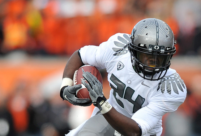 CORVALLIS, OR - DECEMBER 4: Running back Kenjon Barner #24 of the Oregon Ducks runs with the ball in the second quarter of the game against the the Oregon State Beavers at Reser Stadium on December 4, 2010 in Corvallis, Oregon. The Ducks beat the Beavers
