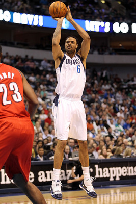 DALLAS, TX - DECEMBER 15:  Center Tyson Chandler #6 of the Dallas Mavericks takes a shot against the Portland Trail Blazers at American Airlines Center on December 15, 2010 in Dallas, Texas.  NOTE TO USER: User expressly acknowledges and agrees that, by d