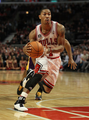 CHICAGO, IL - DECEMBER 10: Derrick Rose #1 of the Chicago Bulls drives against the Los Angeles Lakers at the United Center on December 10, 2010 in Chicago, Illinois. The Bulls defeated the Lakers 88-84. NOTE TO USER: User expressly acknowledges and agrees