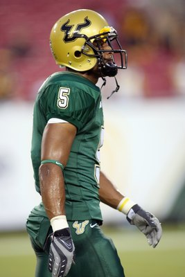TAMPA, FL - SEPTEMBER 28: Nate Allen #5 of the University of South Florida Bulls looks on the field before the game against the West Virginia Mountaineers at Raymond James Stadium September 28, 2007 in Tampa Florida. (Photo by Marc Serota/Getty Images)