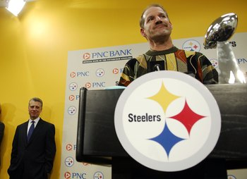 PITTSBURGH - JANUARY 5: Pittsburgh Steelers' Coach Bill Cowher announces his retirement during a press conference at the Pittsburgh Steelers' headquarters on January 5, 2007 in Pittsburgh, Pennsylvania.  (Photo by Jeff Swensen/Getty Images)