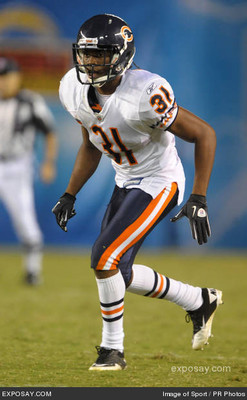Joshua-moore-31-2010-nfl-chicago-bears-san-v5xlzm_display_image