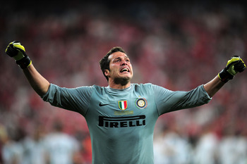 MADRID, SPAIN - MAY 22:  Julio Cesar of Inter Milan celebrates victory after the UEFA Champions League Final match between FC Bayern Muenchen and Inter Milan at the Estadio Santiago Bernabeu on May 22, 2010 in Madrid, Spain.  (Photo by Shaun Botterill/Get