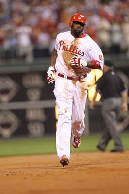 PHILADELPHIA - MAY 2: First baseman Ryan Howard #6 of the Philadelphia Phillies rounds the bases after hitting a home run during a game against the New York Mets at Citizens Bank Park on May 2, 2010 in Philadelphia, Pennsylvania. The Phillies won 11-5. (P