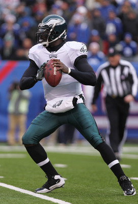 EAST RUTHERFORD, NJ - DECEMBER 19:  Michael Vick #7 of the Philadelphia Eagles against the New York Giants at New Meadowlands Stadium on December 19, 2010 in East Rutherford, New Jersey.  (Photo by Nick Laham/Getty Images)