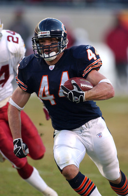 CHICAGO - NOVEMBER 30:  Running back Brock Forsey #44 of the Chicago Bears runs around end for a touchdwon late in a game against the Arizona Cardinals on November 30, 2003 at Soldier Field in Chicago, Illinois. The Bears defeated the Cardinals 28-3.  (Ph