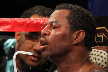 LAS VEGAS - MAY 01:  Shane Mosley drinks water in his corner during a round break against Floyd Mayweather Jr. during the welterweight fight at the MGM Grand Garden Arena on May 1, 2010 in Las Vegas, Nevada.  (Photo by Jed Jacobsohn/Getty Images)