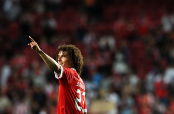 LISBON, PORTUGAL - AUGUST 28:  David Luiz of Benfica gestures during the Portuguese Liga match between Benfica and Vitoria Setubal at Luz Stadium on August 28, 2010 in Lisbon, Portugal.  (Photo by Patricia de Melo/EuroFootball/Getty Images)