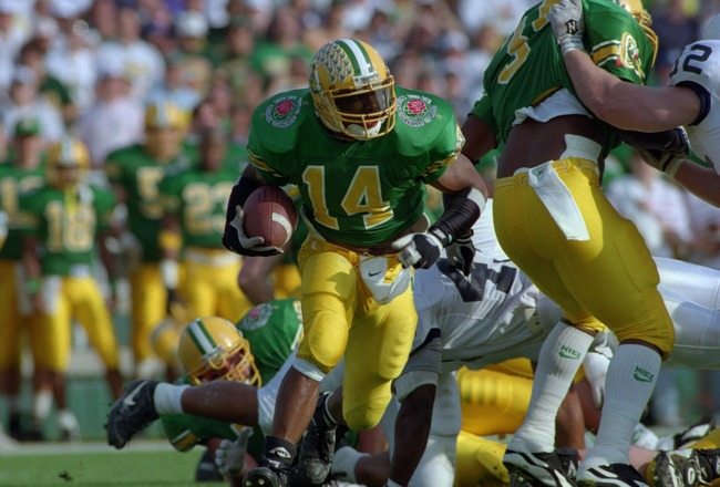 2 Jan 1995:  Running back Ricky Whittle of the University of Oregon carries the football during the Ducks 38-20 1995 Rose Bowl loss to Penn State at the Rose Bowl in Pasadena, California. Mandatory Credit: Mike Powell/ALLSPORT
