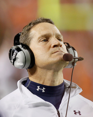 AUBURN, AL - NOVEMBER 13:  Head coach Gene Chizik of the Auburn Tigers against the Georgia Bulldogs at Jordan-Hare Stadium on November 13, 2010 in Auburn, Alabama.  (Photo by Kevin C. Cox/Getty Images)