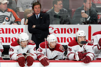 PHILADELPHIA - DECEMBER 18: Head coach Wayne Gretzky of the Phoenix Coyotes looks on as his team plays the Philadelphia Flyers on December 18, 2007 at Wachovia Center in Philadelphia, Pennsylvania.  (Photo by Jim McIsaac/Getty Images)