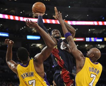 Lebron-layup_display_image