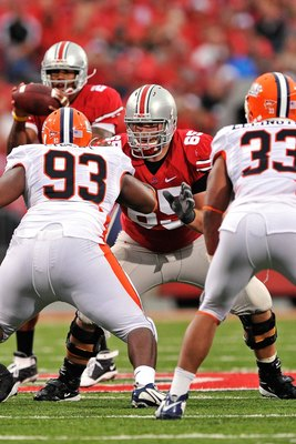COLUMBUS, OH - SEPTEMBER 26: Offensive lineman Justin Boren #65 of the Ohio State Buckeyes prepares to block against the Illinois Fighting Illini at Ohio Stadium on September 26, 2009 in Columbus, Ohio.  (Photo by Jamie Sabau/Getty Images)