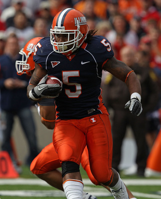 CHAMPAIGN, IL - OCTOBER 02: Mikel Leshoure #5 of the Illinois Fighting Illini runs against the Ohio State Buckeyes at Memorial Stadium on October 2, 2010 in Champaign, Illinois. Ohio State defeated Illinois 24-13. (Photo by Jonathan Daniel/Getty Images)