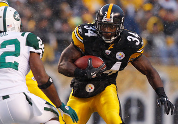 PITTSBURGH - DECEMBER 19:  Rashard Mendenhall #34 of the Pittsburgh Steelers runs with the ball against the New York Jets during the game on December 19, 2010 at Heinz Field in Pittsburgh, Pennsylvania.  (Photo by Jared Wickerham/Getty Images)