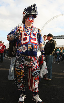LONDON, ENGLAND - OCTOBER 25:  A New England Patriots fan enjoys the atmosphere prior to the NFL International Series match between New England Patriots and Tampa Bay Buccaneers at Wembley Stadium on October 25, 2009 in London, England. This is the third