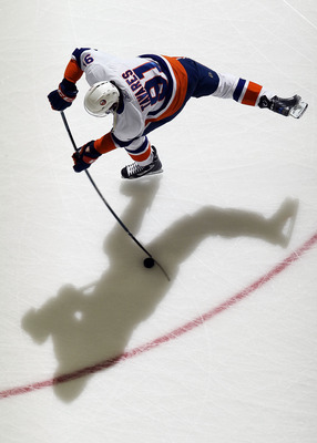 NEWARK, NJ - DECEMBER 23:  John Tavares #91 of the New York Islanders warms up before playing against the New Jersey Devils at the Prudential Center on December 23, 2010 in Newark, New Jersey.  (Photo by Jim McIsaac/Getty Images)