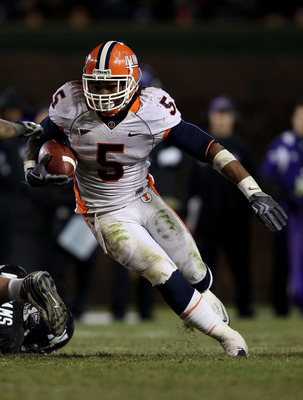 CHICAGO - NOVEMBER 20: Mikel Leshoure #5 of the Illinois Fighting Illini runs on his way to a 339 yard rushing performance against the Northwestern Wildcats during a game played at Wrigley Field on November 20, 2010 in Chicago, Illinois. Illinois defeated