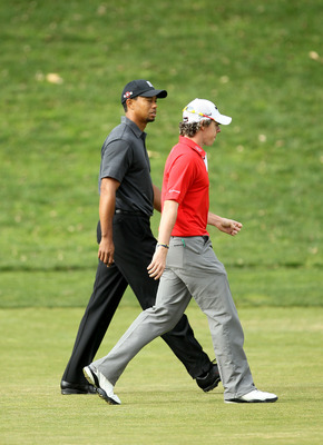 THOUSAND OAKS, CA - DECEMBER 3: Rory McIlroy of Northern Ireland and Tiger Woods walk down the second fairway during round two of the Chevron World Challenge at Sherwood Country Club on December 3, 2010 in Thousand Oaks, California.  (Stephen Dunn/Getty I