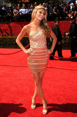 LOS ANGELES, CA - JULY 14: ESPN talent Erin Andrews arrives at the 2010 ESPY Awards at Nokia Theatre L.A. Live on July 14, 2010 in Los Angeles, California. (Photo by Jason Merritt/Getty Images)