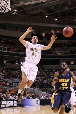 SAN JOSE, CA - MARCH 18:  Forward Jeffery Taylor #44 of the Vanderbilt Commodores loses control of the ball during their game against the Murray State Racers in the first round of the 2010 NCAA men�s basketball tournament at HP Pavilion on March 18, 2010