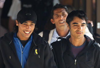 TAUNTON, ENGLAND - SEPTEMBER 01:  Mohammad Aamer (L), Salman Butt (R) and Mohammad Asif (behind) leave the Holiday Inn to board a taxi on September 1, 2010 in Taunton, England. The Pakistan Cricket team are currently the subject of a cricket fixing invest