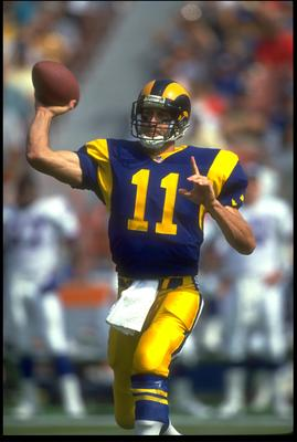 18 OCT 1992:  LOS ANGELES RAMS QUARTERBACK JIM EVERETT SETS TO THROW DURING THE RAMS 38-17 WIN OVER THE NEW YORK GIANTS AT ANAHEIM STADIUM IN ANAHEIM, CALIFORNIA.  MANDATORY CREDIT:  MIKE POWELL/ALLSPORT