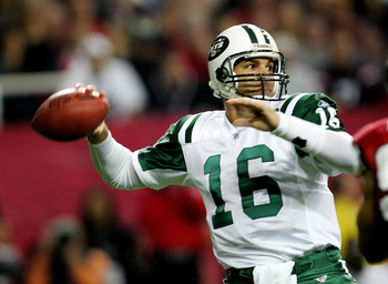 ATLANTA - OCTOBER 24:  Vinny Testaverde #16 of the New York Jets drops back to throw a pass during their game against the Atlanta Falcons on October 24, 2005 at the Georgia Dome in Atlanta, Georgia.  (Photo by Streeter Lecka/Getty Images)