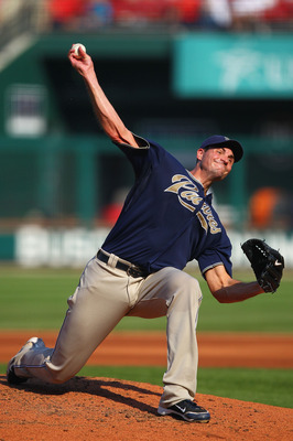 ST. LOUIS - SEPTEMBER 18: Starter Chris Young #32 of the San Diego Padres pitches against the St. Louis Cardinals at Busch Stadium on September 18, 2010 in St. Louis, Missouri.  The Padres beat the Cardinals 8-4.  (Photo by Dilip Vishwanat/Getty Images)