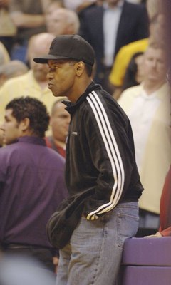 LOS ANGELES - MAY 4:   Actor Denzel Washington attends the Los Angeles Lakers-Phoenix Suns playoff game on May 4, 2006 at Staples Center in Los Angeles, California.  (Photo by Stephen Shugerman/ Getty Images)