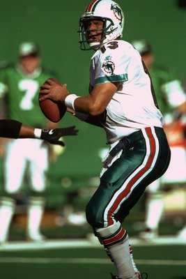 12 Oct 1997:  Quarterback Dan Marino #13 of the Miami Dolphins sets to throw a pass during the Dolphins 31-20 win over the New York Jets at Meadowlands Stadium in East Rutherford, New Jersey. Mandatory Credit: Tomasso Derosa  /Allsport