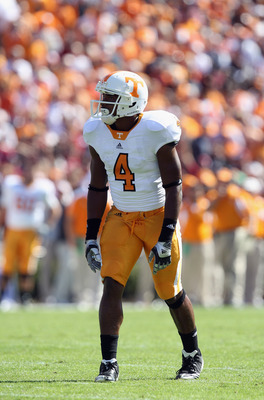 COLUMBIA, SC - OCTOBER 30:  Gerald Jones #4 of the Tennessee Volunteers against the South Carolina Gamecocks during their game at Williams-Brice Stadium on October 30, 2010 in Columbia, South Carolina.  (Photo by Streeter Lecka/Getty Images)