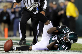 PHILADELPHIA - NOVEMBER 21:  Jason Avant #81 of the Philadelphia Eagles reacts after dropping a touchdown pass against the New York Giants at Lincoln Financial Field on November 21, 2010 in Philadelphia, Pennsylvania.  (Photo by Nick Laham/Getty Images)